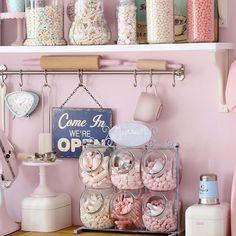 Candy+jars+display