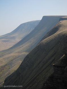 Photographs of Bannau Sir Gaer and West Brecon Beacons Mountains, Wales. Climbed this mountain as a kid and I remember that it was so, so cold and snowy. Visit Wales, Brecon Beacons, Places Of Interest, British Isles, South Wales, Great Britain, Beautiful Landscapes, The Good Place, Cymric