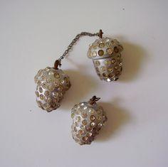 ButtonArtMuseum.com - Victorian Silver Acorn Rhinestone Buttons