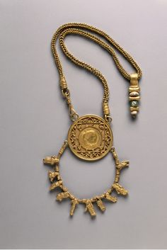 Egypt, Alexandria, Roman, 3rd century, gold, Diameter of central pendant: w. 4.20 cm (1 5/8 inches); Chain: l. 40.70 cm (16 inches). Gift of Mr. and Mrs. Paul Mallon 1948.419