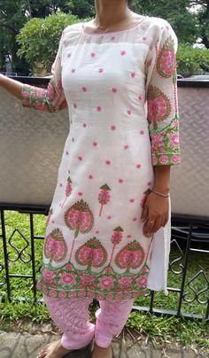 Code:2109165 Materiel : Chanderi, Price INR:4190/-