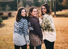 So pretty & love the shirts Mary Kate Robertson, Robertson Family, Sadie Robertson, Bff Pictures, Best Friend Pictures, Best Friend Goals, My Best Friend, John Luke, Really Cute Outfits