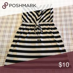 Black and white striped cover up Worn two times. In great condition Mossimo Supply Co. Swim Coverups