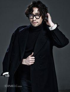 ryu seung bum, korean actor Wavy Hair Men, Men's Hair, Wavy Hairstyles, Style Men, Korean Actors, Movie, Poses, Mens Fashion, Hair Styles