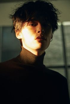 StyleKorea - Kim Won Jung for Esquire Korea October Photographed by Mok Jung Wook - Kim Won Joong, Photographie Portrait Inspiration, Human Reference, Pose Reference Photo, Aesthetic People, Poses For Men, Wow Art, Male Face, Drawing People