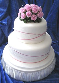 pictures of wedding cakes | Wedding Cake Design: Swarovski & Ribbon | Blisstree