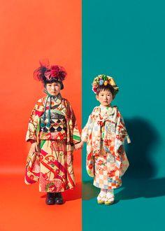 CLUTCHの七五三 - clutch-kimonoten ページ! Japanese Kids, Kids Studio, Modern Kimono, Wedding Kimono, Kids Fashion Photography, Photoshoot Inspiration, Japanese Kimono, Little Girl Dresses, Kids Wear