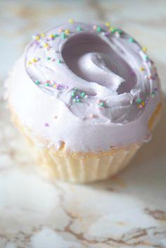 Magnolia Cupcakes, Magnolia Bakery Copycat - Carmela POP