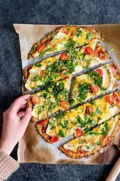 La pizza sans gluten et hypocalorique vegetarisch lifestyle recipes grillen rezepte rezepte schnell Pizza Recipes, Raw Food Recipes, Veggie Recipes, Keto Recipes, Healthy Recipes, Low Calorie Pizza, Calories Pizza, Pizza Sin Gluten, Diet Pizza