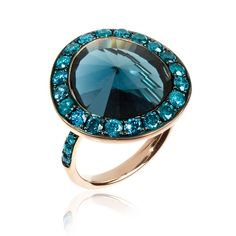 A glamorous, vintage-inspired London Blue topaz cocktailring from the DustyDiamonds collection by Annoushka