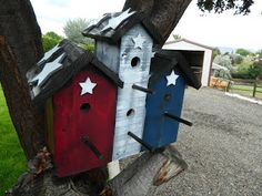 Primitive 4th of July Bird House out of Pallets