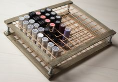 Tutorial – DIY Lipstick holder (wood & rope/string?) In English at the end.