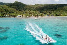 Это — остров Раиатеа где-то рядом с Таити. На первый взгляд — очередной полинезийский рай, полный бунгало, обгоревших туристов и дайверов в гидрокостюмах с чужого плеча. Но всё не так просто. Waves, Outdoor, Outdoors, Ocean Waves, Outdoor Games, The Great Outdoors, Beach Waves, Wave