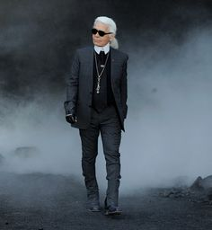 Karl Lagerfield ~ ae<3 Karl Lagerfeld Choupette, Androgyny, Aging Gracefully, Coco Chanel, Style Icons, Beautiful People, Pure Genius, Pure Products, Mens Fashion