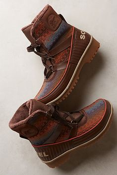 Sorel Tivoli II Blanket Boots - #anthrofave http://rstyle.me/n/sg4nmnyg6