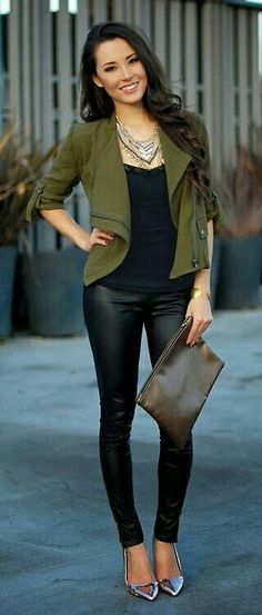Stylish Ways to Wear Leather Trousers Woman's Fall Fashion Trends 2014 Use Kwik Sew 3764 and a light fall wool for a moto jacket like this one.Woman's Fall Fashion Trends 2014 Use Kwik Sew 3764 and a light fall wool for a moto jacket like this one. Night Outfits, Mode Outfits, Fall Outfits, Casual Outfits, Fashion Outfits, Women's Casual, Blazer Outfits, Night Out Outfit Classy, Pants Outfit