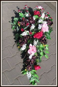 kompozycje ze sztucznych kwiatów na grób - Szukaj w Google Large Flower Arrangements, Large Flowers, Funeral Flowers, Most Beautiful, Floral Wreath, Wreaths, Google, Floral Crown, Tall Floral Arrangements