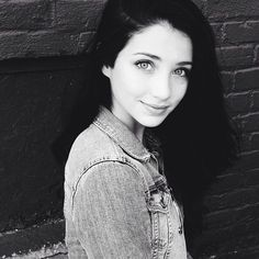 She's so perfectly Avalon... I just... Gahh Emily Rudd