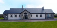 90% Tipperary Brown & 10% Tipperary Blue Sandstone - Coolestone Stone Importers Suppliers Masonry Tyrone Northern Ireland Modern Bungalow Exterior, Bungalow House Design, Cottage Design, Cottage Style, House Designs Ireland, Blue Granite, Farmhouse Renovation, Stone Masonry, House Windows