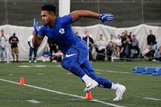 American Football - Manoa Pikula performs drills during Pro Day for BYU football - Brigham Young University campus (1200×800)