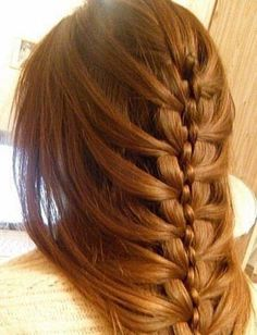 We're not sure what to call this braid, but we want it.