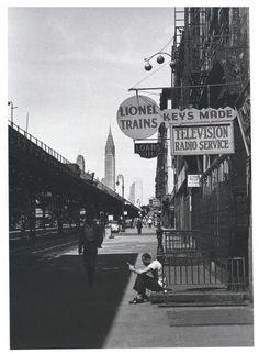 louis stettner Beside the Third Avenue El - 1952