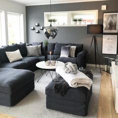 Affordable Home Decorations Dark Living Rooms, Living Room Sofa, Home Living Room, Apartment Living, Simple Living Room Decor, Living Room On A Budget, Interior Design Living Room, Living Room Designs, First Apartment Decorating