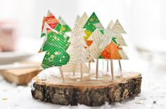 christmas tree decoration with - by Carnets Parisiens, love this idea and have to try it this year! Diy Christmas Tree, All Things Christmas, Winter Christmas, Christmas Tree Decorations, Christmas Holidays, Christmas Ornaments, Disney Holidays, Family Christmas, Holiday Crafts