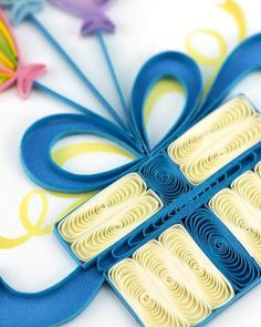 Balloon Surprise, Paper Art Design, Birthday Cards, Happy Birthday, Send A Card, Quilling Cards, Blue Bow, Birthday Celebration, Rainbow Colors