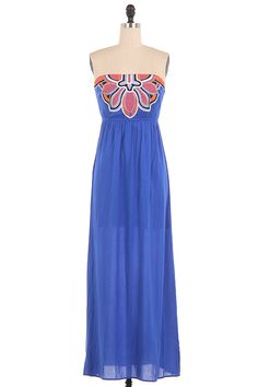 Love this embroidered Summer Maxi Dress! Lined and comes with removable clear straps. Fits TTS #Shopvannicboutique #maxidress