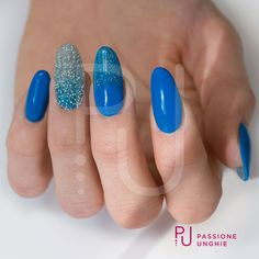 Preziosi Swarovski per mani scintillose! #CrystalPixie Cute Mood, A104 Optical Blue, A102 #Optical Silver, C61 Snorkel #Blue Struttura: Refil con #Infiniy Sigillante: #Gemma