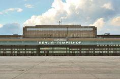 Flughafen Tempelhof ~~~> Der Flughafen Berlin-Tempelhof war einer der ersten Verkehrsflughäfen Deutschlands...
