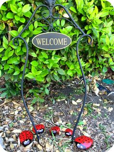 DIY Painted Ladybug Garden Rocks #gardening #kidfun #backyard