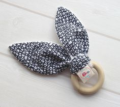 Natural Wooden Teething Ring Soother – Scribbles   £10