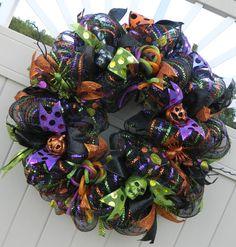 Deco Mesh Halloween Wreath Spider Pumpkin skull by WhatsOnYourDoor