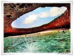 Hidden beach, Marieta Islands, Mexico   Graficafotografica : Inaresort