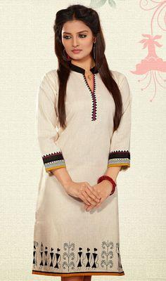Adorable Off White Cotton Printed Kurti #Designer-Kurtis-Online #Designer-Kurtis Indian Attire, Indian Outfits, Kurtis Tops, Kurta Patterns, Kurta Style, Printed Kurti, Big Girl Fashion, India Fashion, Women's Fashion