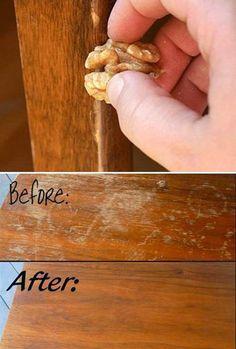 BÚTORFELÜLET JAVÍTÁSA elég egy szem dió ahhoz, hogy a kisebb felületi sérüléseket, karcolásokat, foltokat eltüntesd a fából készült bútor felületéről