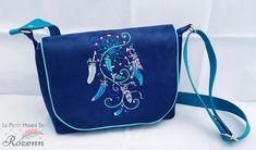 Sac Menuet en suédine bleue brodée cousu par Rozenn - Patron Sacôtin
