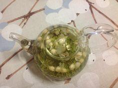 Why not blend your own flavor tea with flowers:-) An very nice fragrant coming from Jasmine flower and green tea! @Mechelininkatu 15, Helsinki, TeeMaa TeaShop