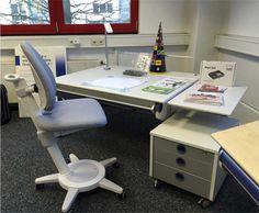 Passend zum Schulbeginn: Mitwachsender Schreibtisch Winner von moll. #moll #Schreibtisch #Kinderschreibtisch #Einschulung #Winner #Kids