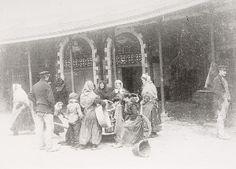 Oude vismijn: vissersvrouwen op het binnenplein. Oostende