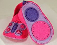 PDF PATTERN: Felt Baby Booties sewing tutorial by GracesFavours