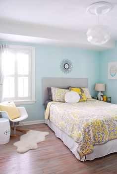 The exact color I want to paint our bedroom. Wish I could find the name of the paint/color.