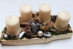 Adventskranz - Adventskranz Holz Holzscheibe weiß beige silber - ein Designerstück von CharLen-Dorit bei DaWanda