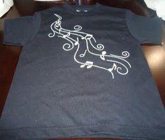 camiseta pintada a mano notas musicales