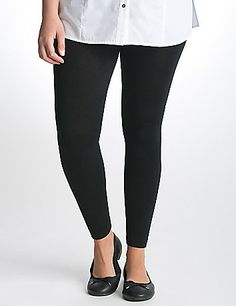 Fleece leggings are ultra cozy, and super warm to let you wear your favorite dresses and skirts throughout the chillier months. Pull-on style with an elastic waistband.