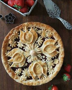 This is the prettiest pie crust I have ever seen !