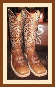 Soooo Pretty . Square Toe . Cowboy Boots .