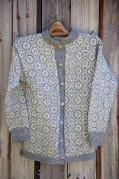 Easy Knitting Patterns for Beginners - How to Get Started Quickly? Easy Knitting Patterns, Free Knitting, Norwegian Knitting, Fair Isles, Fair Isle Knitting, Scarf Design, Knitting For Beginners, Vintage Knitting, Knit Cardigan